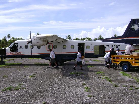 bikini-plane-unloaded